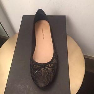 Banana Republic Black Lace Flat Shoes Size: 7